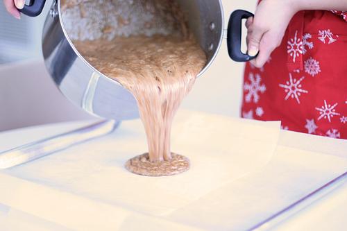 Pistachio Caramels - pour