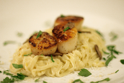 Seared Scallops with Black Truffles & Fresh Linguine